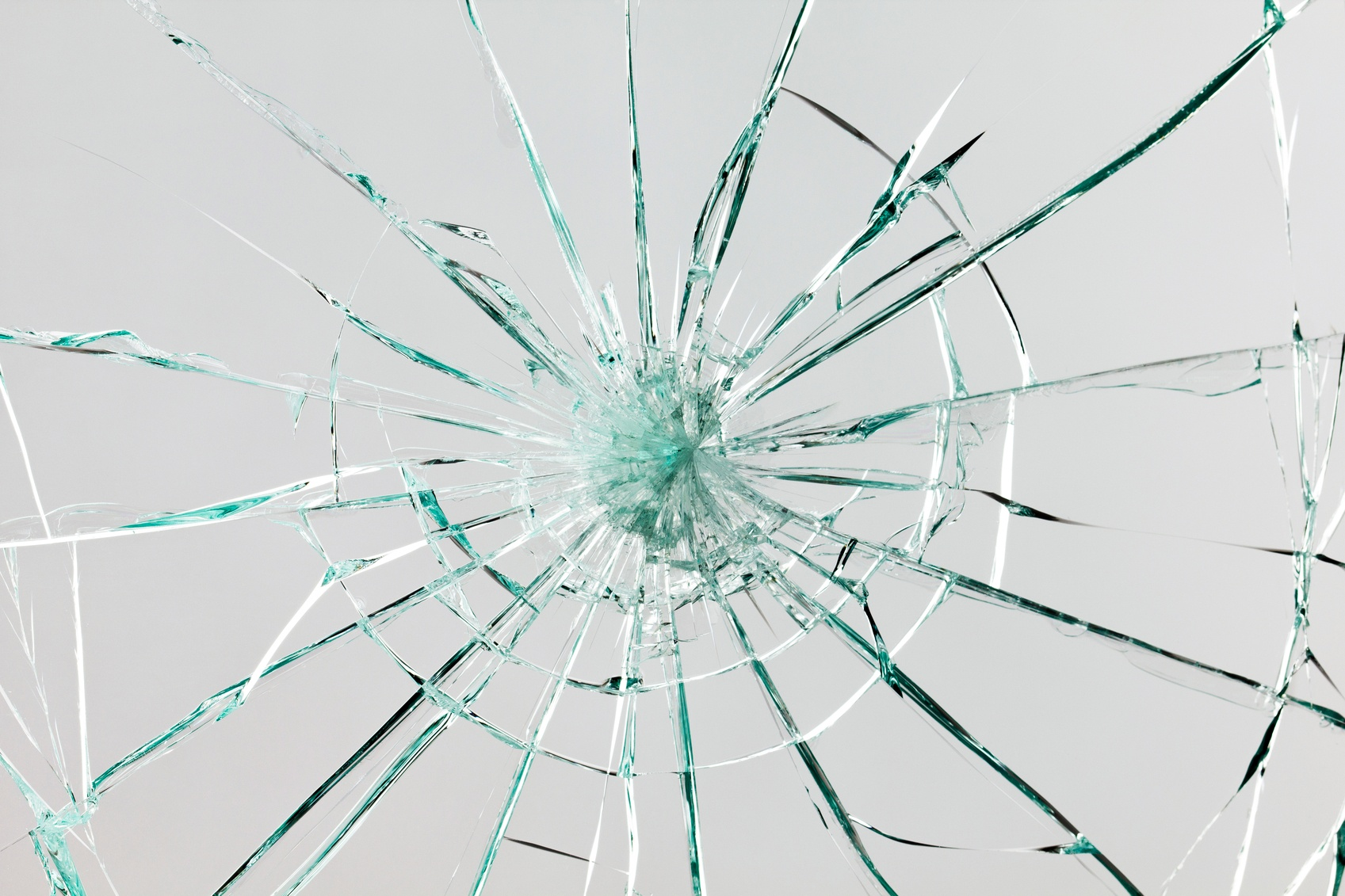 Broken-glass-000021070041_Medium-1.jpg